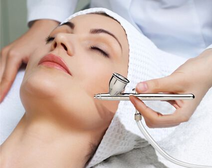 Hydra facial oxygen infusion